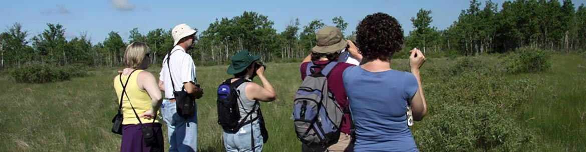 Conservation Volunteers event, Tall Grass Prairie, MB (Photo by NCC)