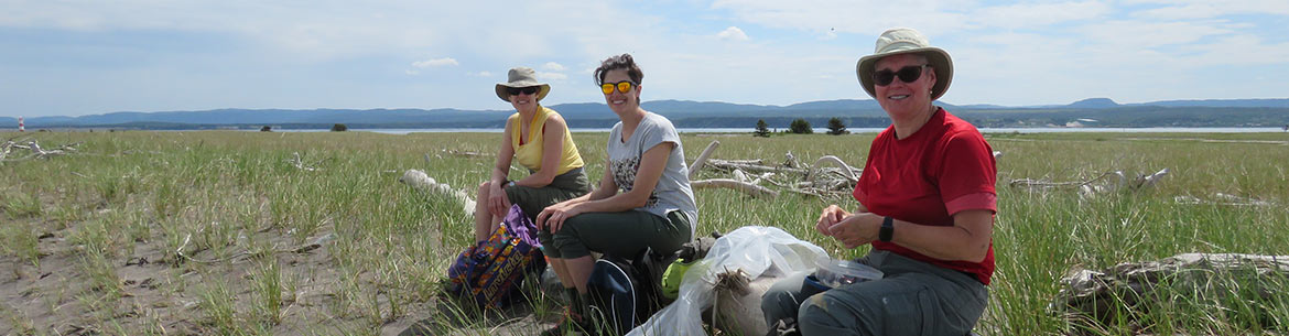 Conservation Volunteers Mary Gaultois, Martha Gaultois and Janet Fradsham in Sandy Point, NL (Photo by NCC)