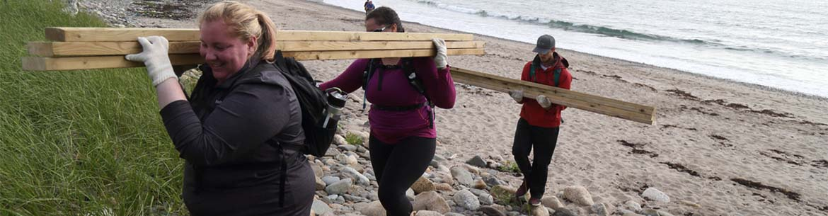 Volunteers helping with the Gaff Point Trailblazing event (Photo by NCC)