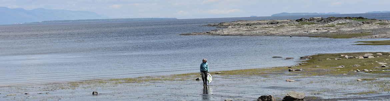 Shoreline clean-up at Pointe de Saint-Vallier, QC (Photo by NCC)