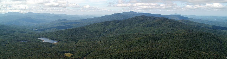 Green Mountains summits, QC (Photo by Claude Duchaîne)