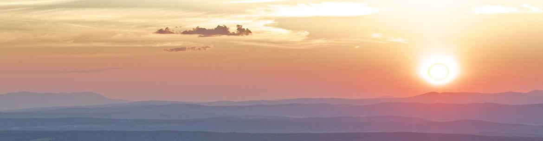 Coucher de soleil sur le Mont-Hereford, Québec (Photo de la MRC de Coaticook)