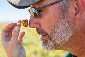 Bénévole pour la conservation (Photo de CNC)