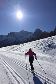 Cross-country skiing is quintessentially Canadian winter. (Photo by Gayle Roodman/NCC staff)
