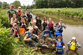 Volunteers at NCC's River Bends on the Mend CV event. (Photo by Miguel Hortiguela)