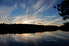 Joe Lake, Algonquin Provincial Park (Photo by Brett Hodnett/Wikimedia Commons)