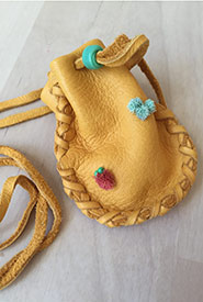 A tufted medicine pouch that I recently made (Photo by Raechel Bonomo/NCC)