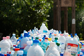Do a plastic audit at home or at your workplace to find out how big your plastic footprint is. (Photo by Pexels, CC0)