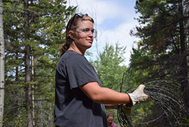 Volunteer at Swann CV event in Alberta (Photo by NCC)