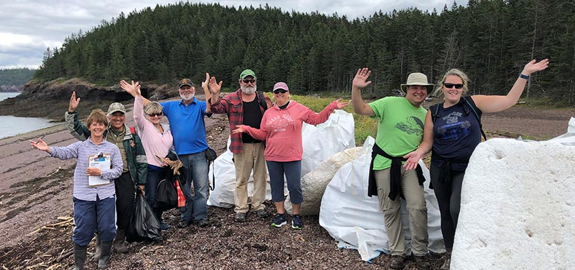 Bénévoles, Great Fundy Coastal Clean-up (corvée de nettoyage), N.-B. (Photo de CNC)
