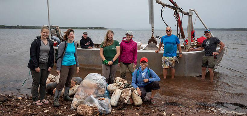 Volunteers at Murrary Harbour clean-up, PEI (Photo by Stephen DesRoches)