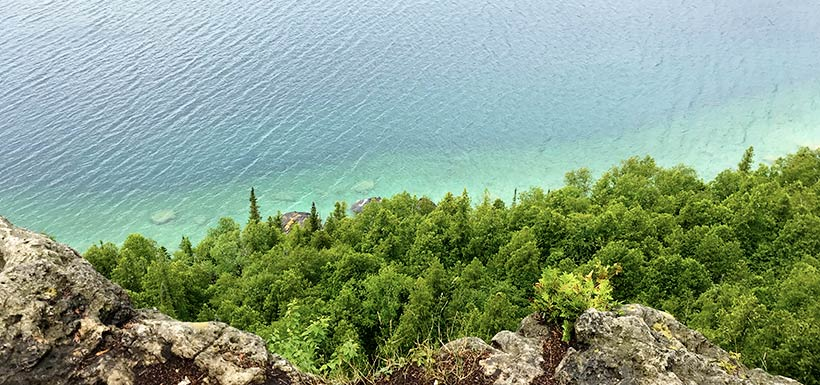 Lion's Head lookout, Bruce Peninsula, ON (Photo by Hai Lin Wang/NCC staff)