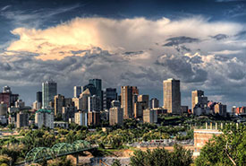 Edmonton downtown skyline (Photo by Pixabay)