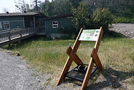 Play Clean Go boot brush station and Waterton National Park signage (Photo by Waterton National Park)
