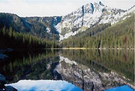 Devil's Hole Lake (Photo by John Anonby)