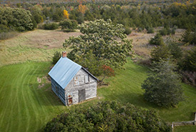 Old homestead on the Hudgin-Rose property. (Photo by David Coulson)