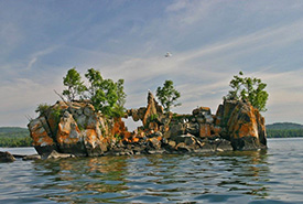 Rock formation on the north shore of Lake Superior, ON (Photo by Carol DeSain)
