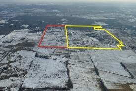 Vue aérienne de la réserve naturelle Scheck (réserve naturelle Scheck d'origine, à droite, en jaune, avec l'ajout annoncé, à gauche, en rouge), Ont. (photo de Chris Grooms)