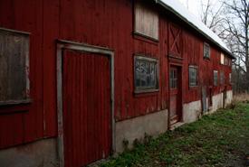 A barn on the MacMillan Nature Preserve. (Photo by Giulia Venir)