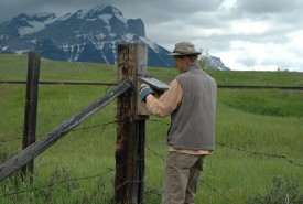 Andrew Stiles, at a Conservation Volunteers event, Fleming Ranch, Alberta (Photo by NCC)