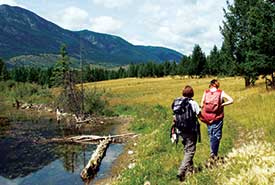 Walking on Marion Creek Benchlands, BC (Photo by NCC)