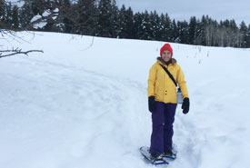 NCC staff member snowshoeing at Lac du Bois (Photo by NCC)