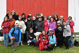 Volunteers at Pointe de Saint-Vallier, QC (Photo by NCC)